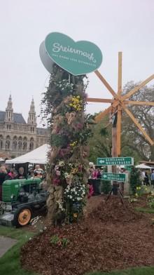 Klapotetz und Traktor in Wien