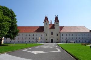 Stiftskirche Vorderansicht